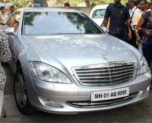 srk latest mercedez car photo
